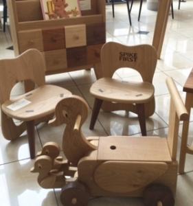子供用家具展示