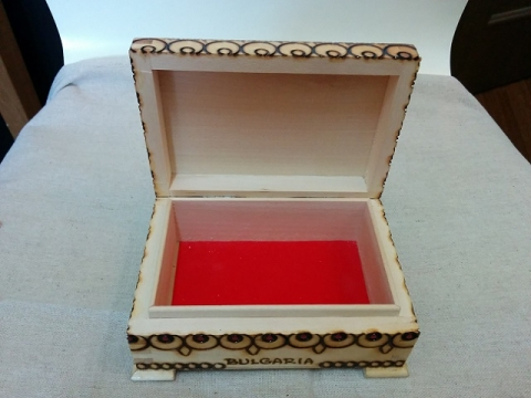 ブルガリア製ハンドメイド ピログラフィア技法の木箱4