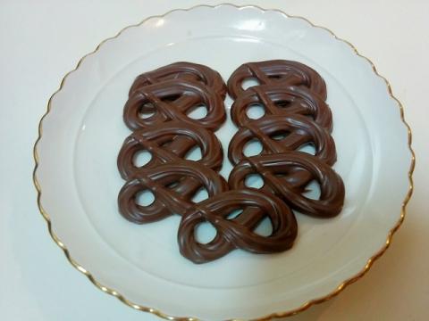 デンマークのカーレッティー社のプレッツェルミルクチョコ3