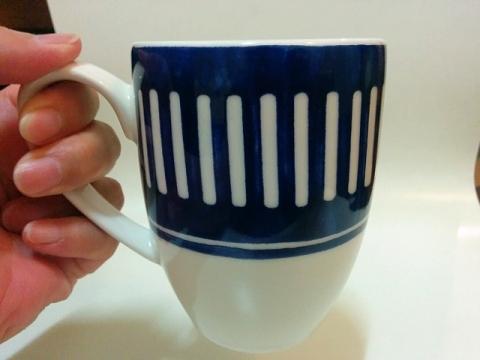 ポルトガル製 VISTA ALEGRE 社のアジュール マグカップ2