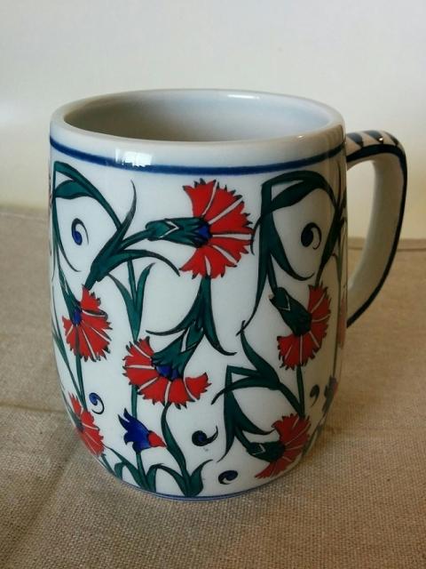 トルコ製カーネーション柄のマグカップ1