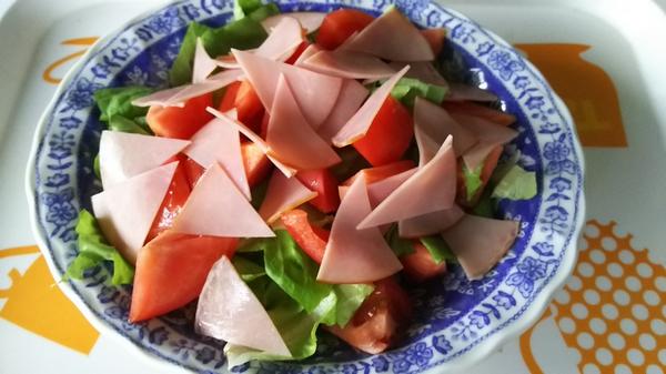 たべたい菜とトマト2つ (1)