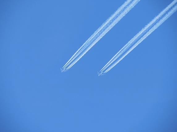aircraft-466418_1280.jpg