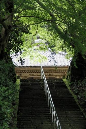 朝日寺の参道