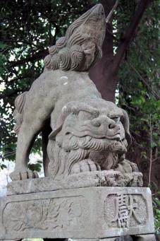 中山神社の狛ワンコ
