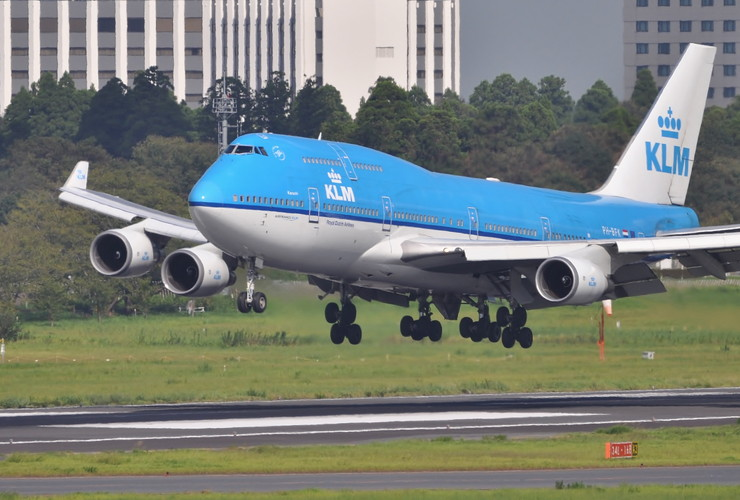 25_KLM861_Amsterdam_PH-BFK.jpg