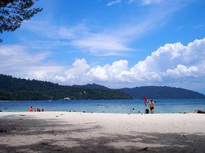サピ島の海岸