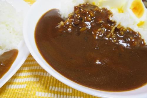 ハウス ヱスビー食品カレー食べ比べ (2)