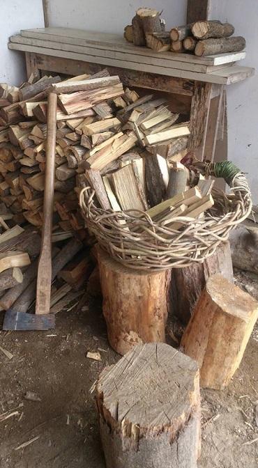 ホタルの宿 手しごとまつり ホタルの宿薪づくり