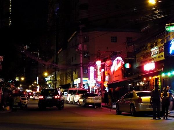 BurgosStreetMakati-Manila-728x485.jpg