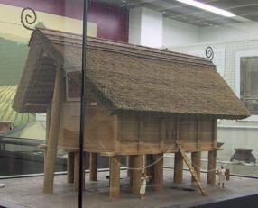 唐古・鍵遺跡大型高床建物