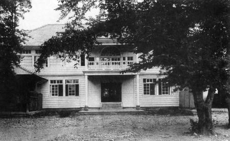 増田小学校明治20年(1887年)貞烈女学院廃止合併上町に新築