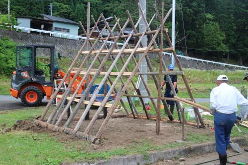 マタギ小屋 建設中 2016-07-26
