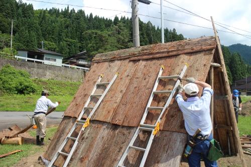 マタギ小屋 建設中2