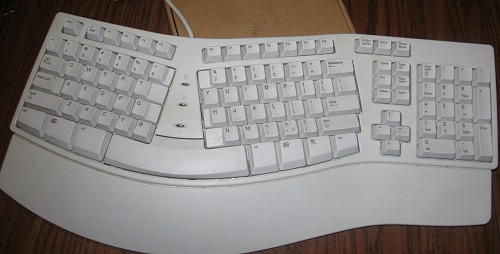 keyboard_02_by_muttstock.jpg
