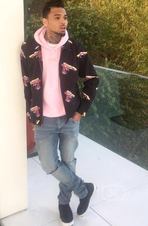 クリス・ブラウン(Chris Brown):シュプリーム(Supreme)/アイコン(ikon)