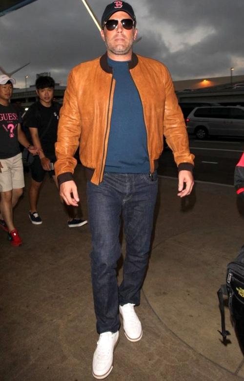 ベン・アフレック(Ben Affleck):ドルチェ&ガッバーナ(Dolce & Gabbana)/ジェイブランド(J Brand)/フォーティーセブンブランド(47 Brand)
