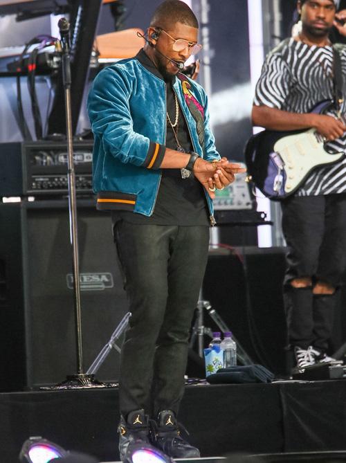 アッシャー(Usher):ドリス・ヴァン・ノッテン(Dries Van Noten)/ナイキ(Nike)