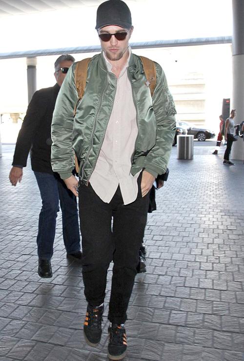 ロバート・パティンソン(Robert Pattinson):アルファインダストリーズ(Alpha Industries)/アディダス(Adidas)