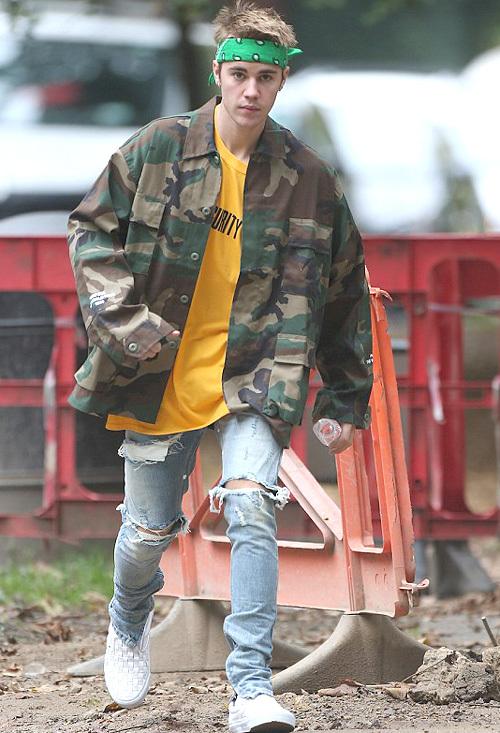 ジャスティン・ビーバー(Justin Bieber):フィアオブゴッド(Fear of God)/バンズ(Vans)