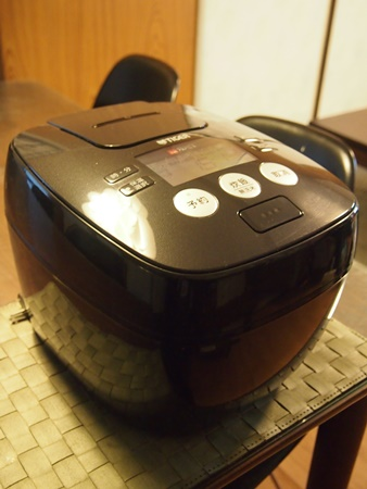 炊飯器 (1)