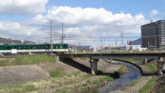 響け!ユーフォニアム 聖地巡礼 京阪 六地蔵駅南側 山科川水門付近