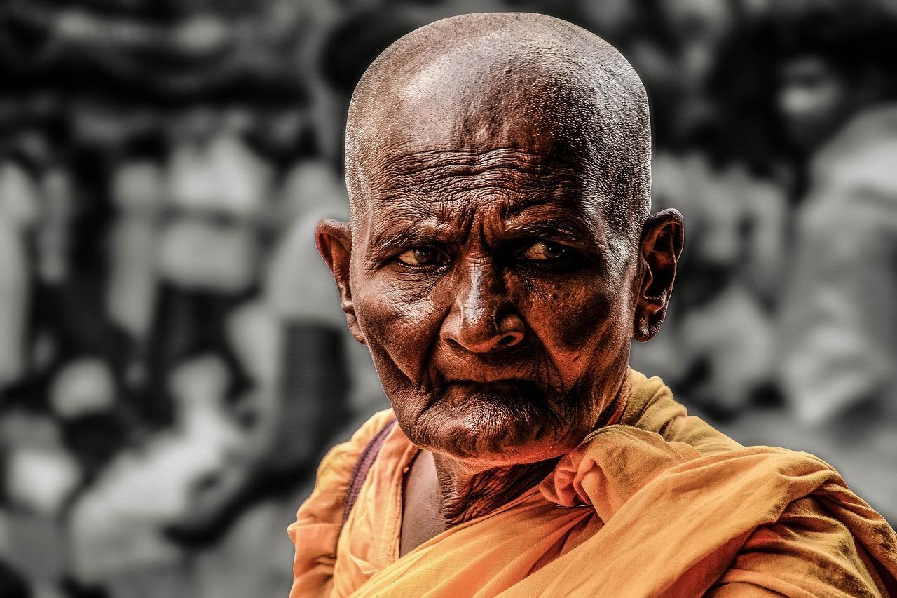 monk-1545250_1280.jpg