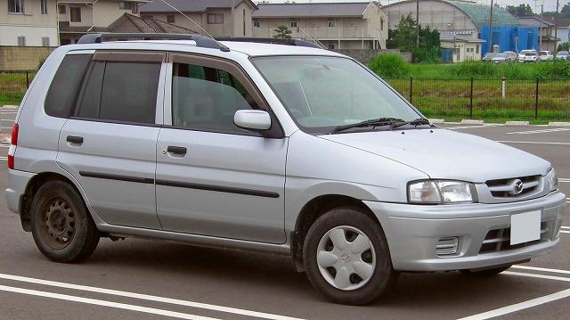 s-Mazda_Demio_1998.jpg