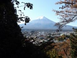 20161104新倉山浅間公園からの富士山1