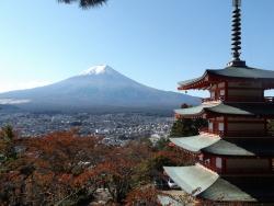 20161104新倉山浅間公園からの富士山2