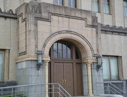 横浜税関・玄関