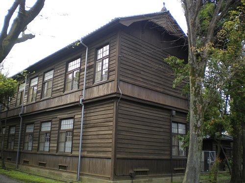 学習院・東別館1