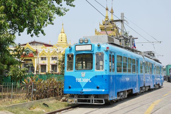 160504yangon-tram2.jpg