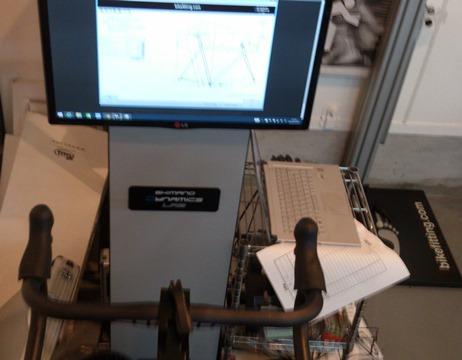 シマノバイクフィッティングのモニター画面