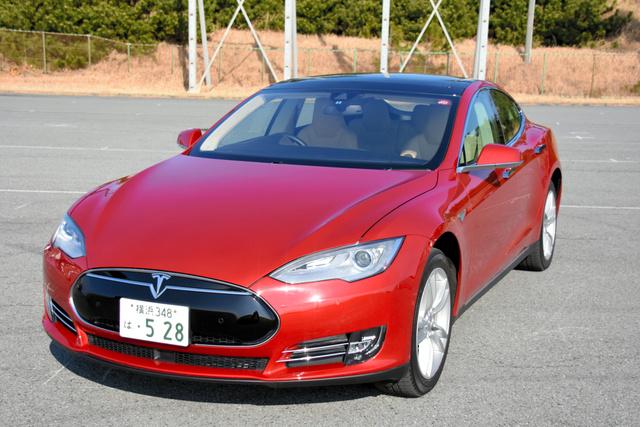 米で自動運転中初の死亡事故 テスラ製乗用車「モデルS」