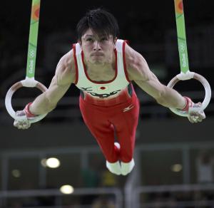 内村航平が2連覇 ラスト鉄棒で大逆転 加藤11位