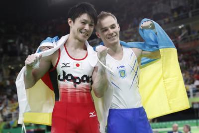 体操個人で内村と競ったオレグ・ベルニャエフ(27)、海外メディアの「審判のえこひいきでは?」という質問にブチ切れする 「審判はスコアに対してフェアで神聖。それは無駄な質問だ!」