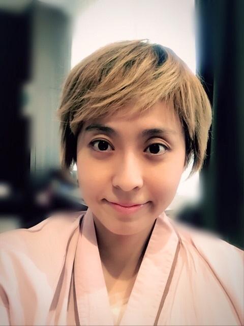 小林麻央 抗がん剤治療で髪が抜け、「かつら」試したと明かす