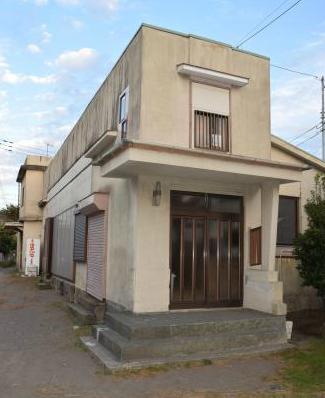 神奈川県葉山町で慶大「広告学研究会」が、夏に海の家を運営する際に寝泊まりしていた施設
