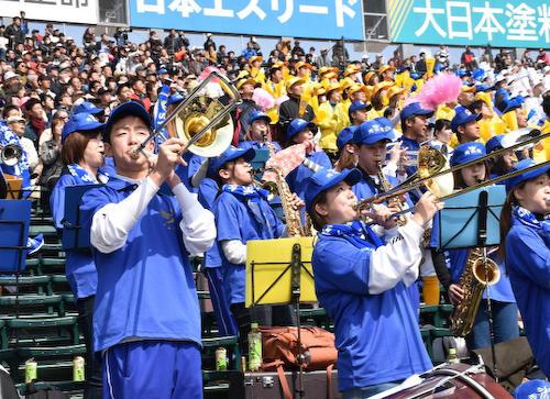 熊本秀岳館の吹奏楽部 コンテスト断念し甲子園へ「コンテストに出たい」と部員は涙