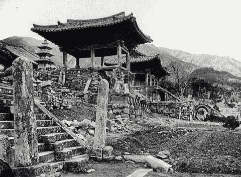 韓国、地震で壊れた世界遺産の100%復元が事実上不可能に=韓国ネット「日本に設計図があるはず」「セメントを塗るくらいなら壊れたまま保存を」
