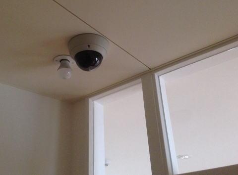 イジメ、いたずら防止に役立つ防犯カメラ…なぜ学校では設置が進まない?