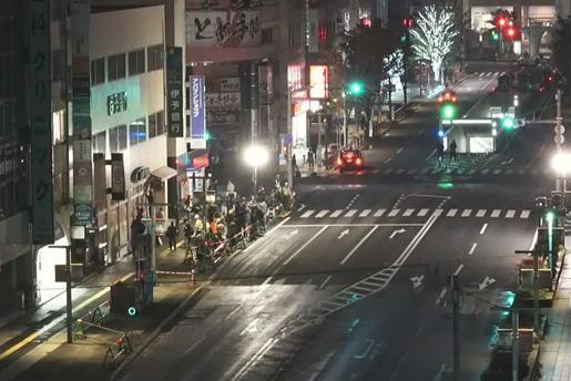 JR博多駅前の大規模道路陥没現場1週間ぶりに通行再開