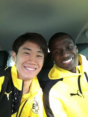 kagawa and ramos BVB 3_0 HSV on the bus