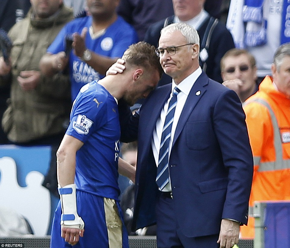 Vardy is consoled by his manager Ranieri as Leicester felt they had been hard done by following Moss controversial decision