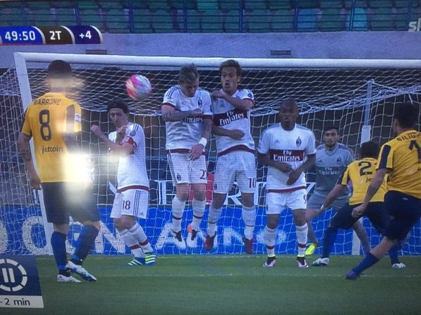 Veronas winning goal Montolivo did not jump and cost us the match