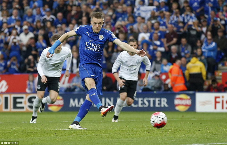 Vardy doubles his tally for the afternoon from the penalty spot after young Everton defender Pennington fouled him in the box
