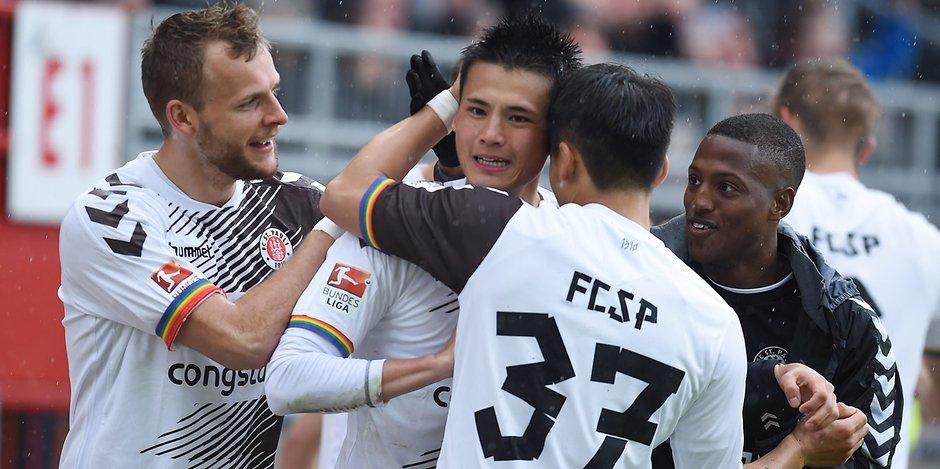 5_2 gegen Kaiserslautern Tränen-Jubel bei Tor-Party