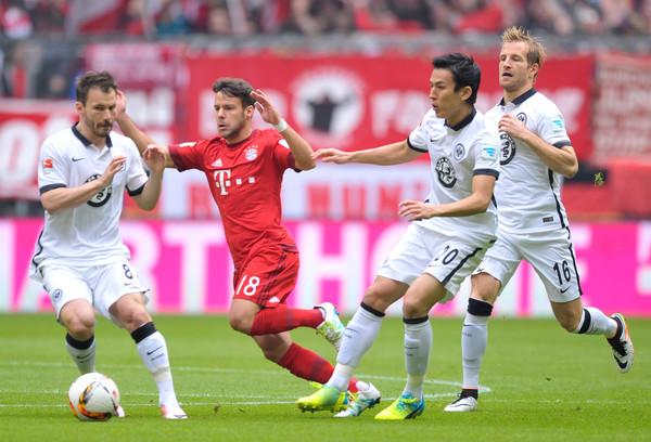 FC+Bayern+Muenchen+v+Eintracht+Frankfurt+Huszti Szabolcs hasebe
