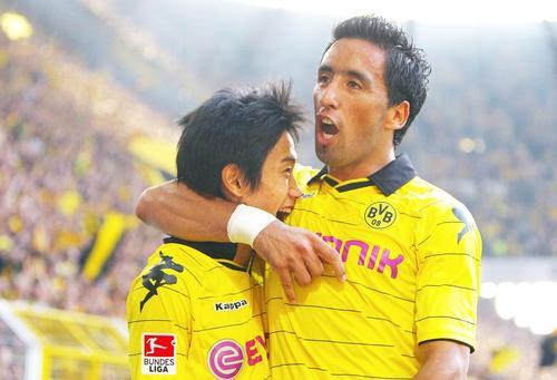 Shinji Kagawa und Lucas Barrios